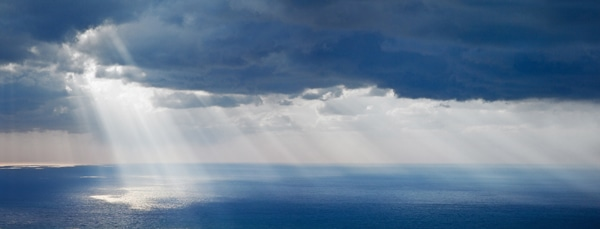 lindsey-lewis-libre-living--Bright-sunlight-over-ocean- 600 x 229 h