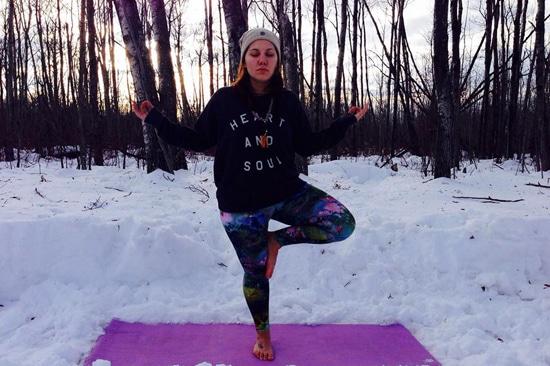 lotus yogini liz combdon on libre living with lindsey lewis